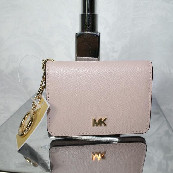 Michael Kors Handbags - MICHAEL KORS MONEY PIECES KEY RING CARD HOLDER